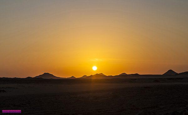 Nascer do sol chegando em Abu Simbel
