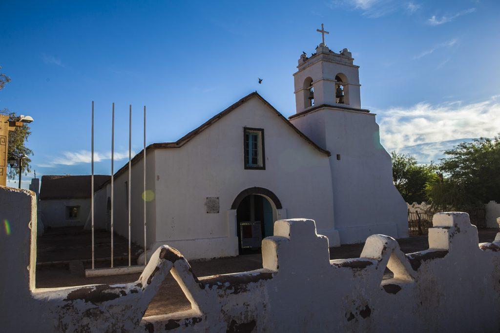 san-pedro-de-atacama-plaza-igreja