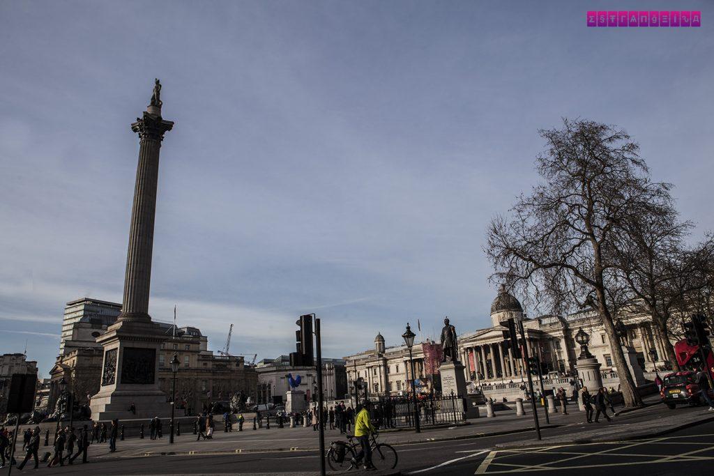 A Coluna de Nelson em Trafalgar Square - Londres