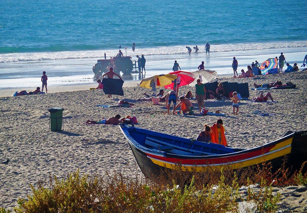 Voltando pelo Transpraia, você ainda tem a chance de curtir mais um pouquinho a vista das praias da Caparica.