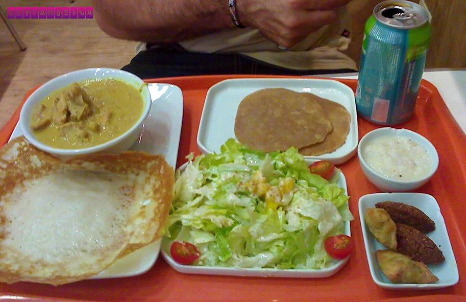 Comidinha no fast food Madhu