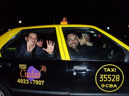 tradicional taxi amarelo de Buenos Aires