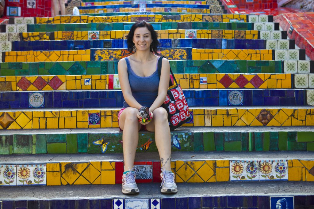 Gabi na Escadaria Selarón