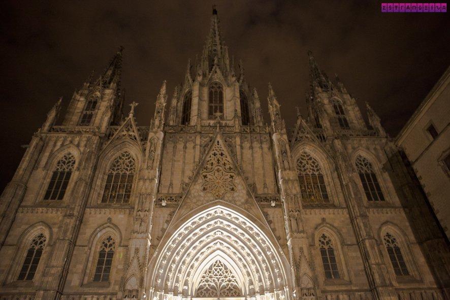 arquitetura-antiga-na-espanha-barcelona-catedral