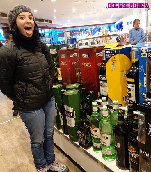 garrafas gigantes nas lojas duty free