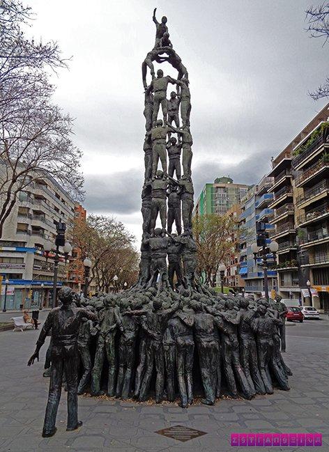o-que-fazer-em-tarragona-escultura-castellers