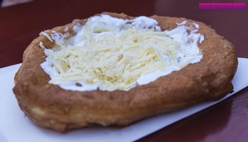 o-que-fazer-em-budapeste-hungria-comida-flat-bread