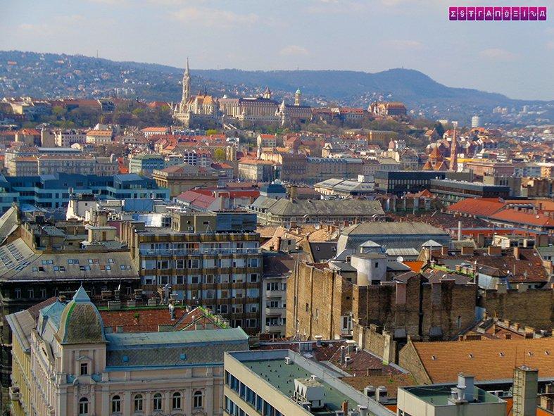 Vista do alto da Basílica. Por 500 florins você tem uma visão panorâmica da cidade.