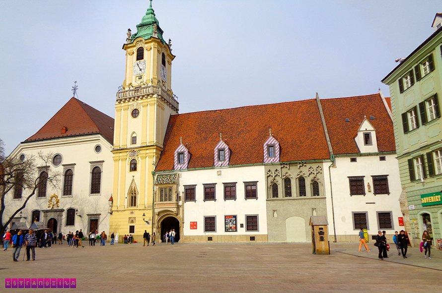 old-town-hall-bratislava-eslovaquia