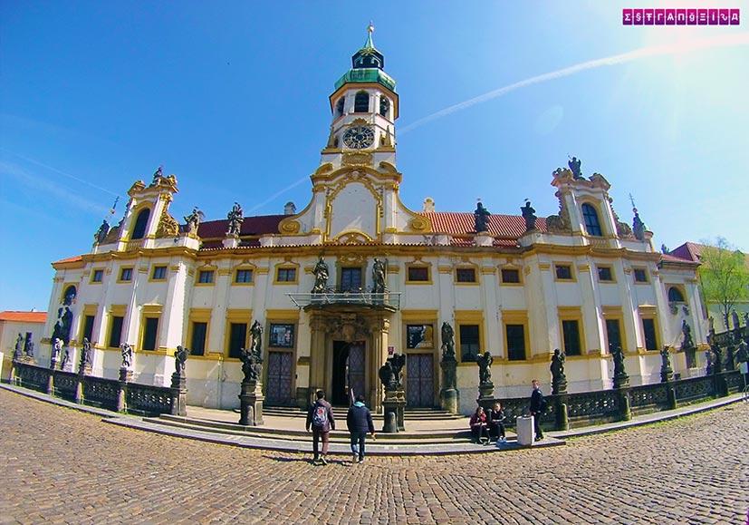 Igreja-Anjos-Praga-roteiro-viagem