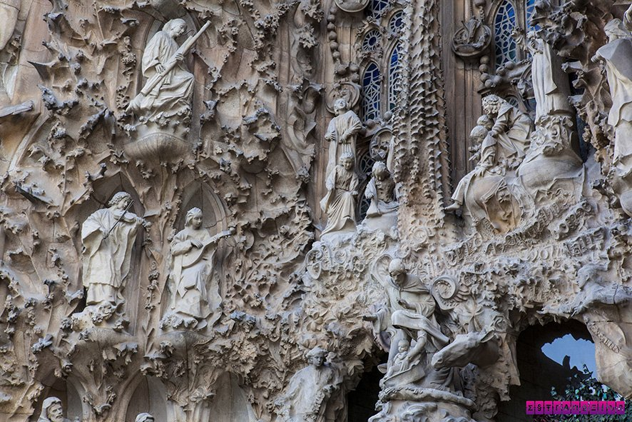 Uma das cenas da Fachada da Natividade na Sagrada Família