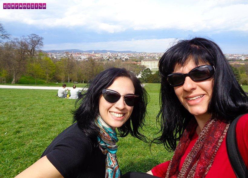 Agora do alto da Glorieta com a vista do Palácio e da cidade de Viena