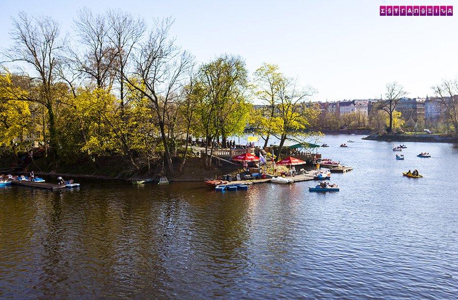 Ilha Slovansky ostrov no rio Vltava