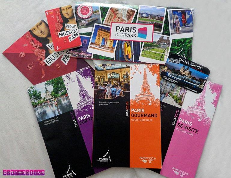 Nosso Paris City Pass e outros materiais do centro de informação turística