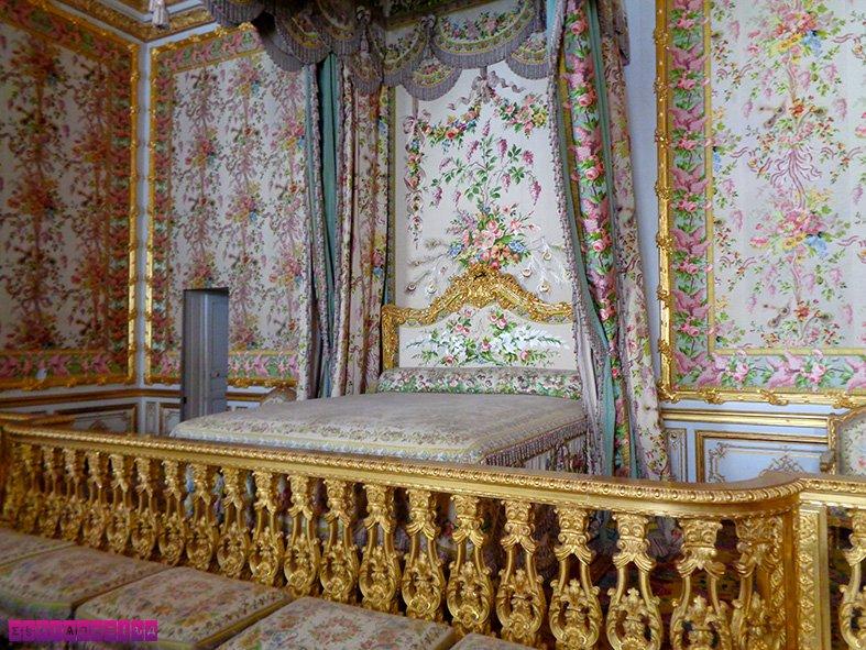 palacio-versalhes-frança-quarto-rainha