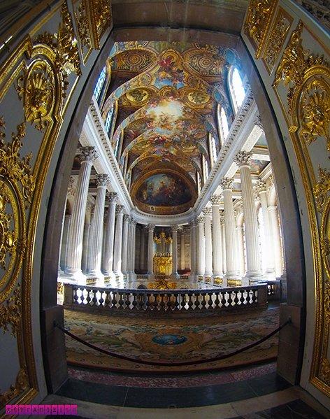 A arquitetura interna do Palácio de Versalles é de cair o queixo!