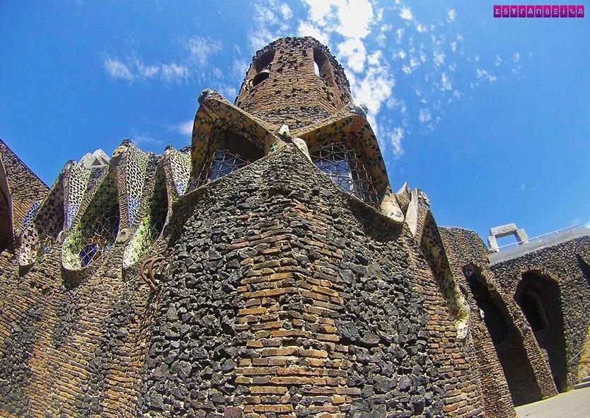 colonia-guell-cripta-gaudi-barcelona-predio