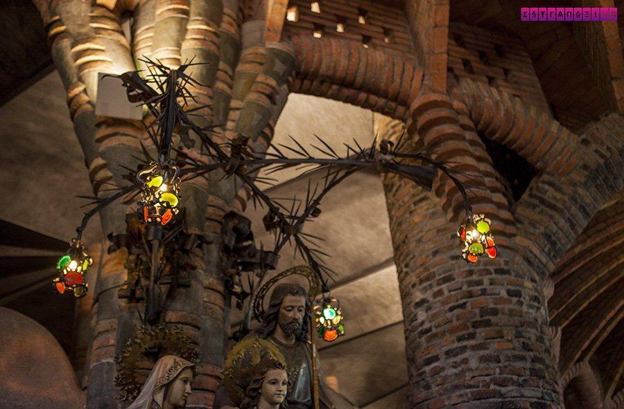 colonia-guell-cripta-gaudi-barcelona-ferro