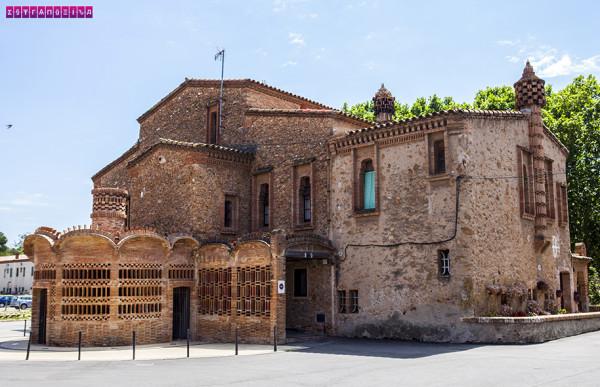 colonia-guell-cripta-gaudi-barcelona-colonia