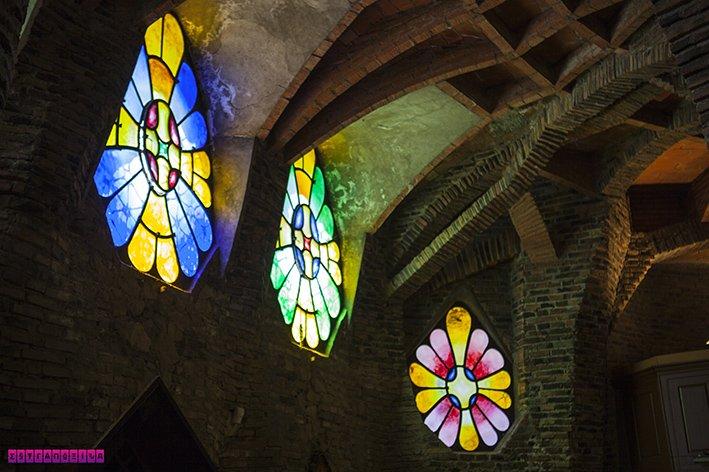 colonia-guell-cripta-gaudi-barcelona-vitrais