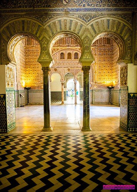 arquitetura-antiga-na-espanha-sevilha-real-alcazar