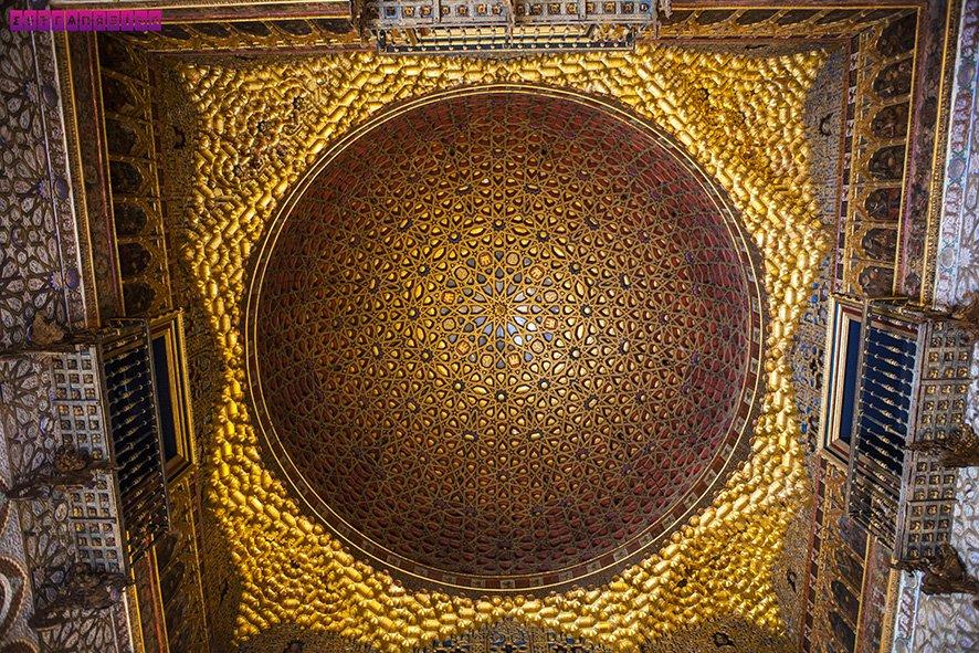 Real-Alcazar-Sevilha-arquitetura-visita-teto