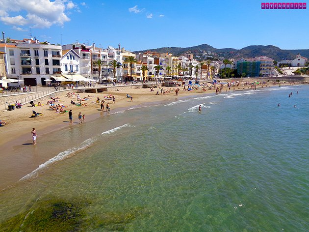 Praia de Sant Sebastià, em Sitges