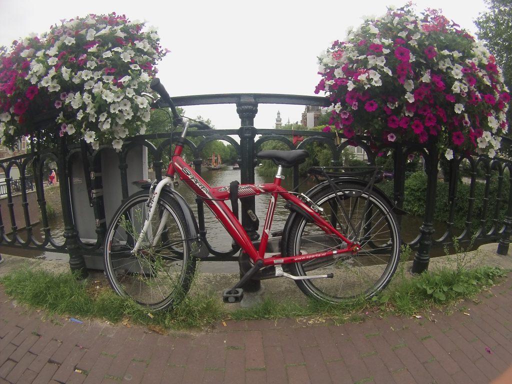 andar-de-bicicleta-em-amsterdam-1