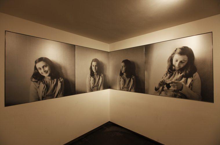 https://estrangeira.com.br/wp-content/uploads/2015/08/Portretfotos-Anne-Frank-Anne-Frank-Stichting-2010-fotograaf-Cris-Toala-Olivares2-759x500.jpg