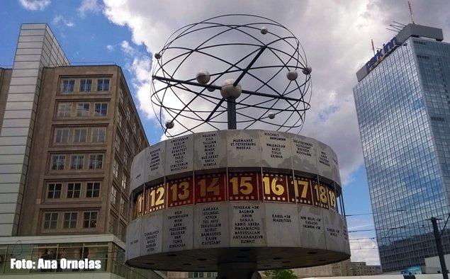 """Alexanderplatz, um dos principais pontos turísticos de Berlim, foi locação do filme """"Praia do Futuro"""""""