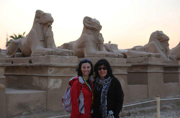 Turistas Lésbicas em Luxor, no Egito.