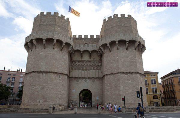 Entrada da antiga Muralha de Valência