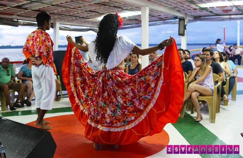 Rodrigo e Clécia arrasam nas danças e nos encantaram.
