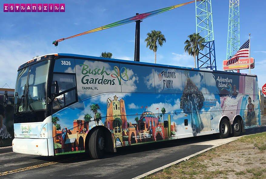 O ônibus fretado que te leva gratuitamente ao Busch Gardens!