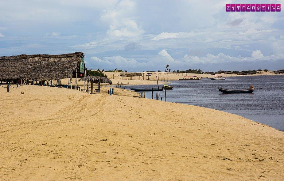 lencois-maranhenses-roteiro-cabure-praia