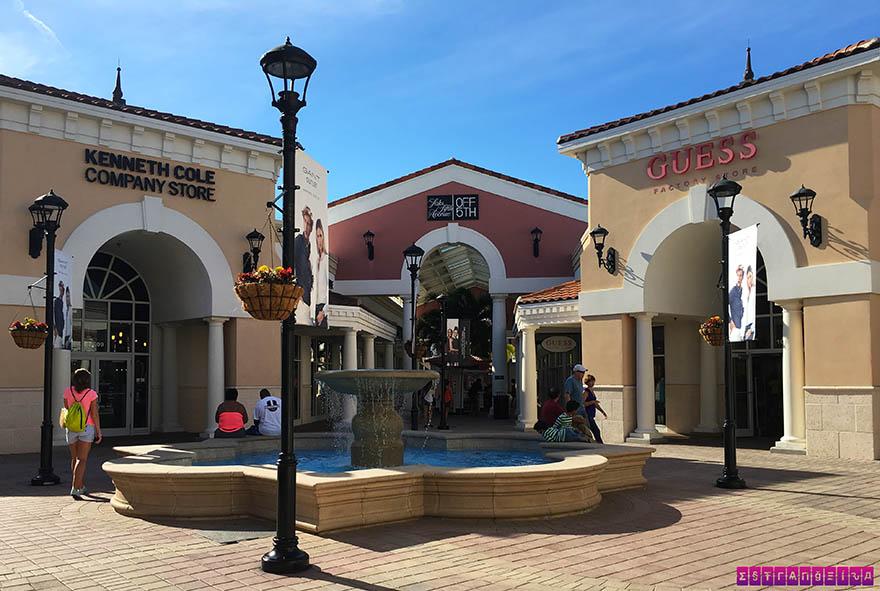 O Orlando International Premium Outlets é um complexo de outlets de várias lojas de marca!