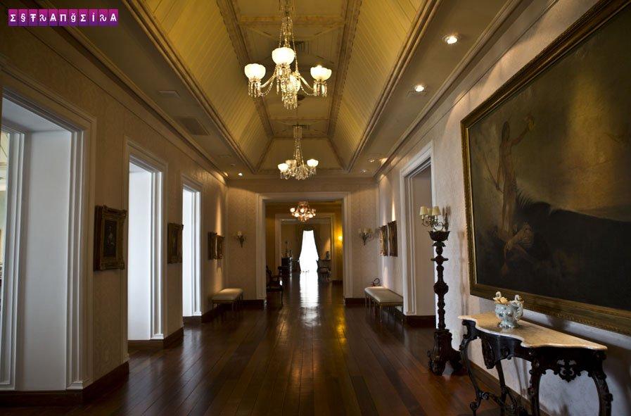 O interior do Palácio dos Leões onde é possível fazer uma visita guiada gratuita.