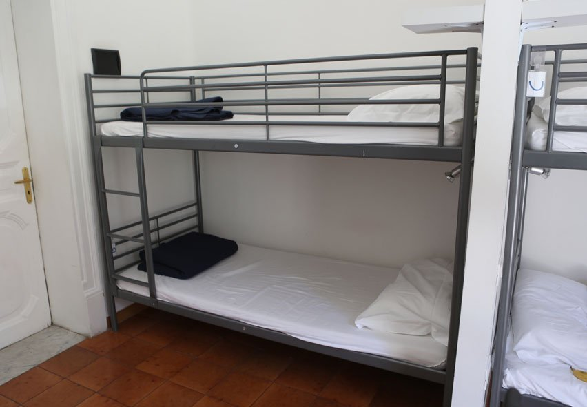 hostel-palermo-italia-casa-di-amici-camas
