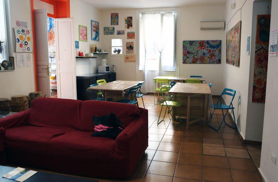 hostel-palermo-italia-casa-di-amici-cozinha