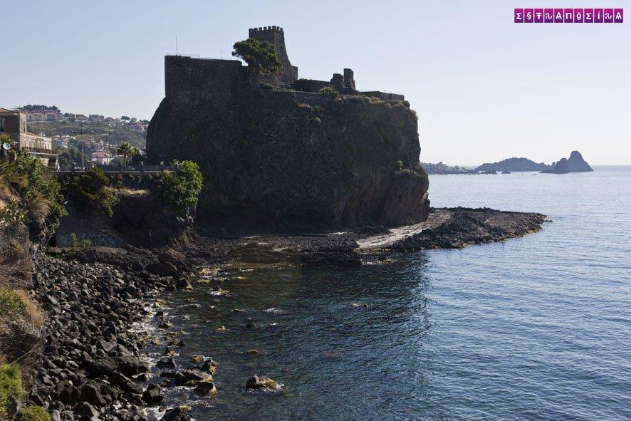 O castelo normando de Aci Castello