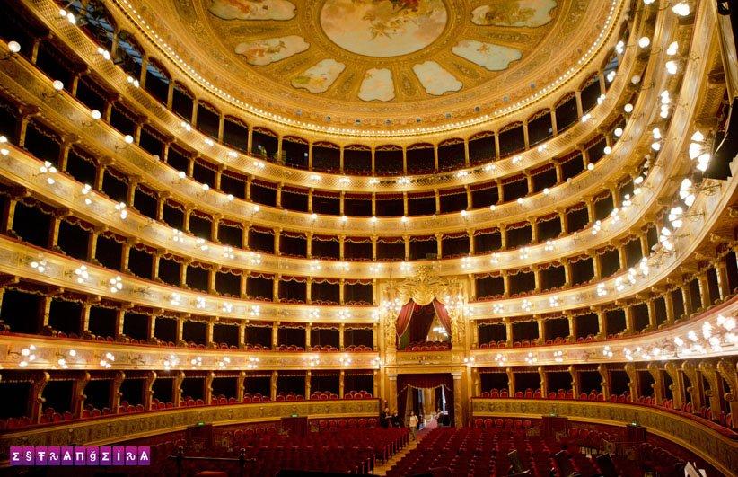 palermo-sicilia-italia-teatro-massimo-interior