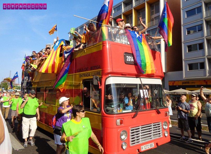 Carro alegórico da Parada LGBT de Barcelona 2015