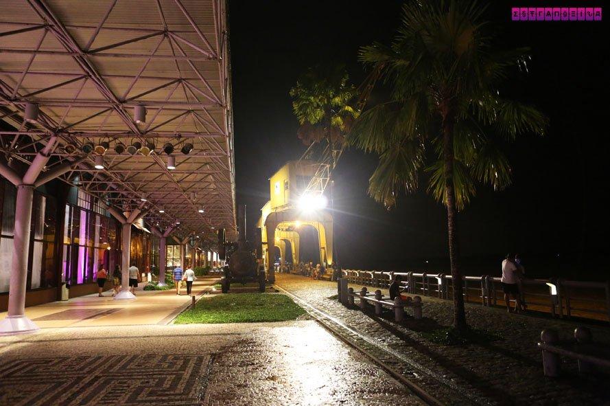 Estação das Docas vista de noite