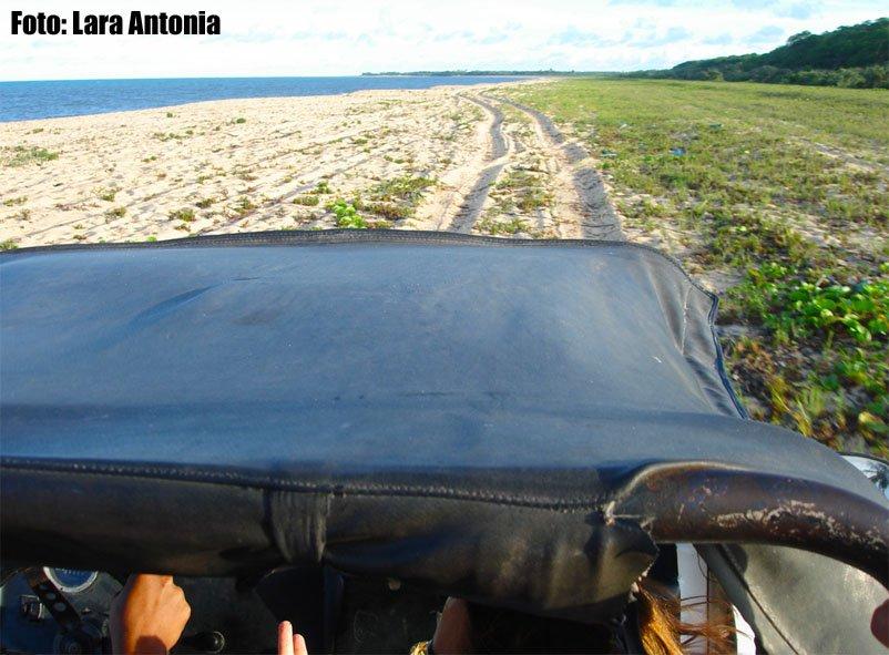 De buggy indo de Ponta de Corumbau até Caraíva