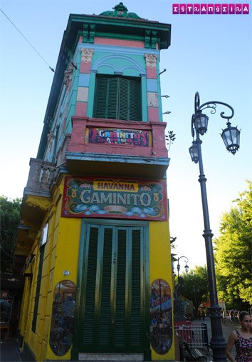 O Caminito é um dos pontos turísticos mais badalados de Buenos Aires.