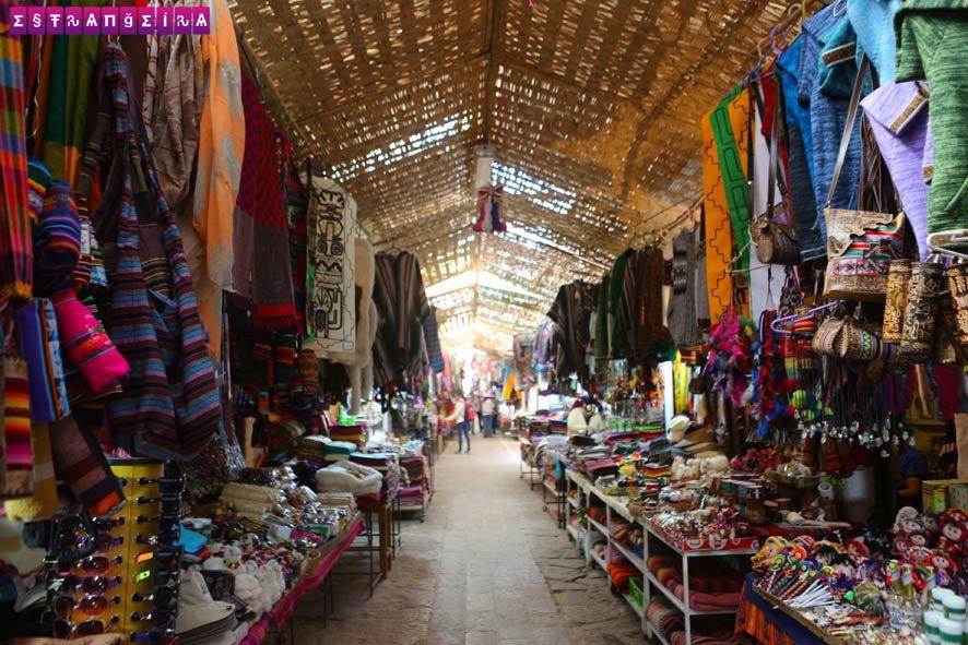 A feirinha dos bolivianos é um ótimo lugar para fazer compras.