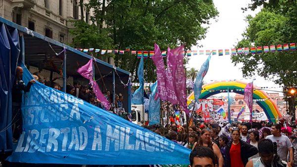 marcha-del-orgullo-2016-buenos-aires-argentina-viaja-bi-parada-lgbt