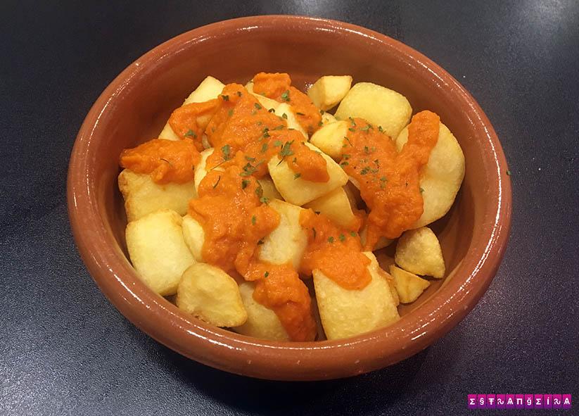 receitas-de-tapas-espanholas-batatas-bravas