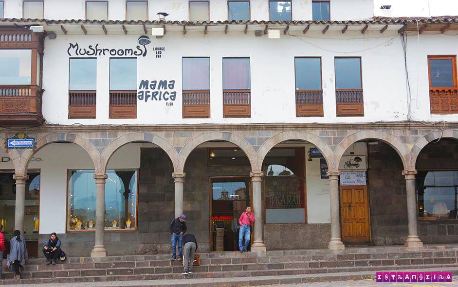Bem na Praça de Armas de Cusco fica a balada mais animada de Cusco