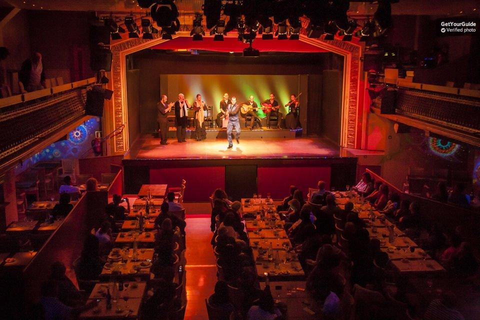 show-de-flamenco-em-barcelona-palacio-do-flamenco